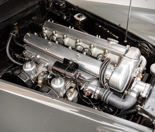 1952-jaguar-xk120-roadster-6.jpg