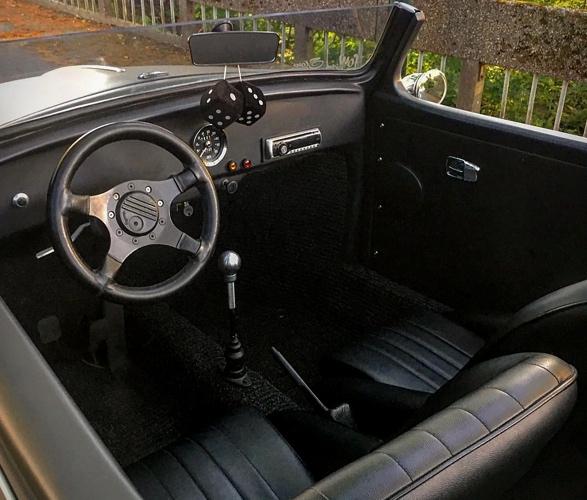 1961-volkswagen-beetle-deluxe-roadster-4.jpg | Image