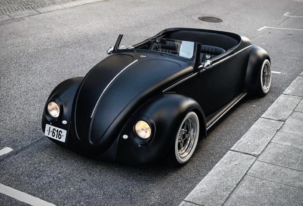 1961 Volkswagen Beetle Deluxe Roadster | Image