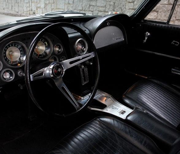 1963-chevrolet-corvette-10.jpg