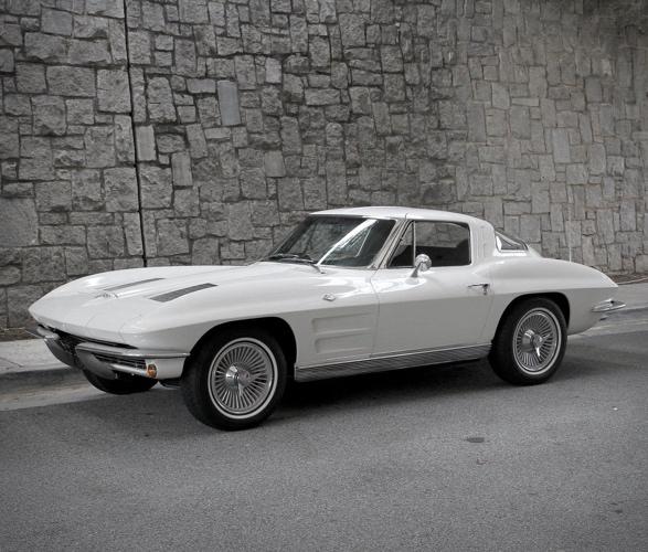 1963-chevrolet-corvette-14.jpg