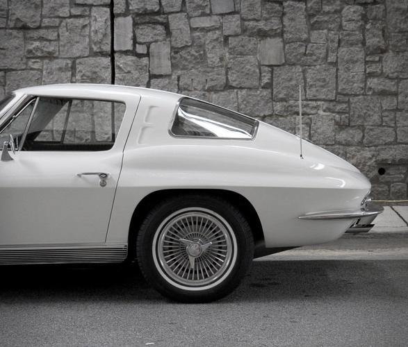 1963-chevrolet-corvette-7.jpg