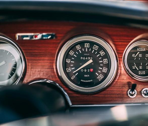 1968-alfa-romeo-gta-1300-junior-stradale-11.jpg