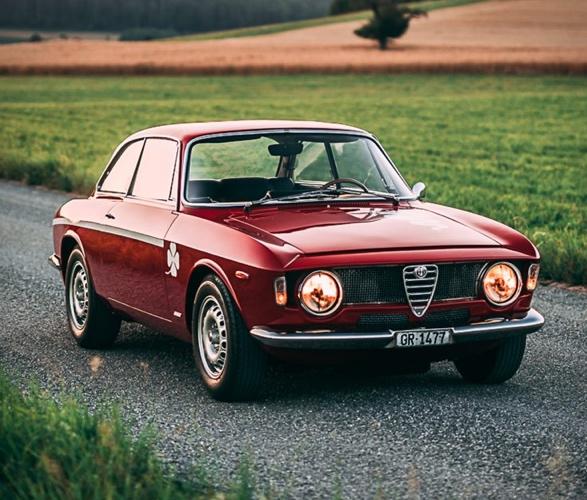 1968-alfa-romeo-gta-1300-junior-stradale-13.jpg