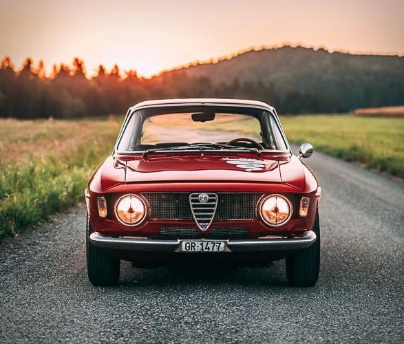 1968-alfa-romeo-gta-1300-junior-stradale-2.jpg | Image