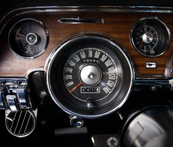 1968-shelby-mustang-gt500kr-10.jpg