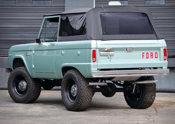 1969-ford-bronco-9.jpg
