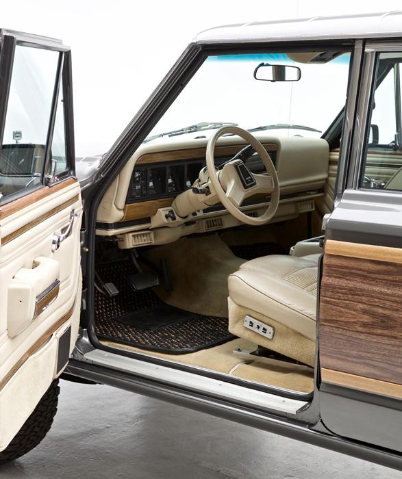 1989-jeep-grand-wagoneer-6.jpg