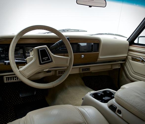 1989-jeep-grand-wagoneer-7.jpg