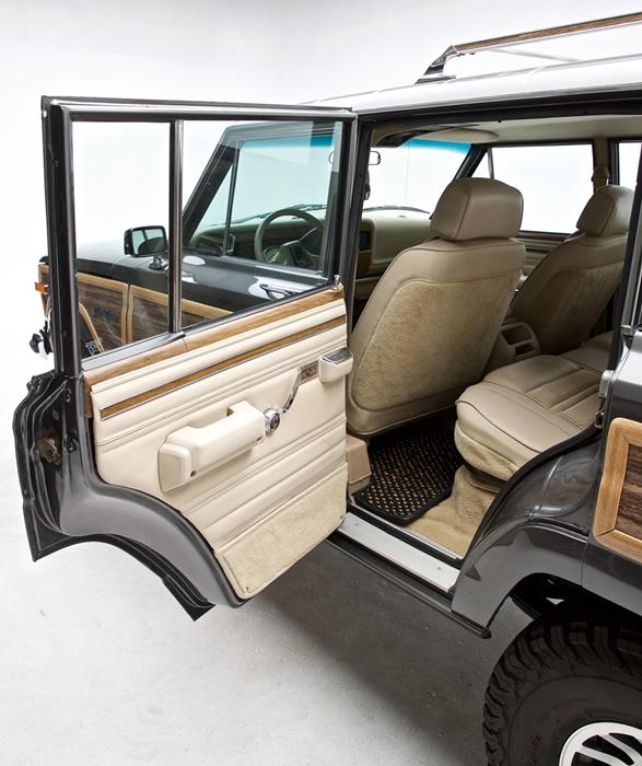 1989-jeep-grand-wagoneer-8.jpg