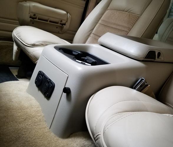 1989-jeep-grand-wagoneer-9.jpg
