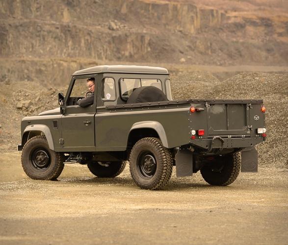 1990-defender-110-pickup-12.jpg
