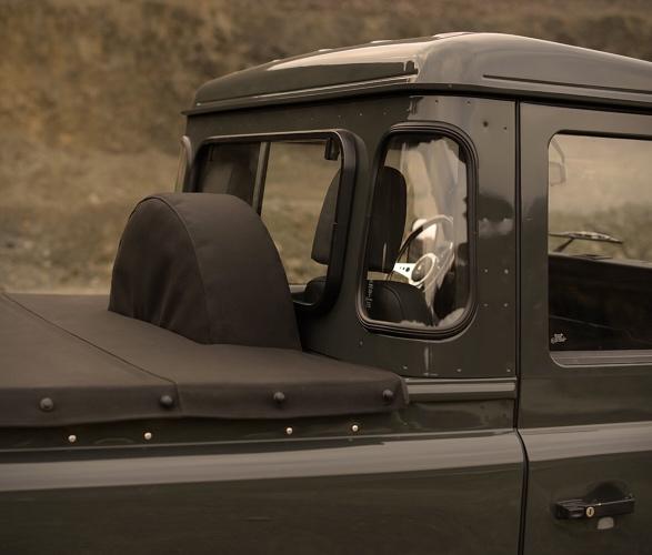 1990-defender-110-pickup-8.jpg