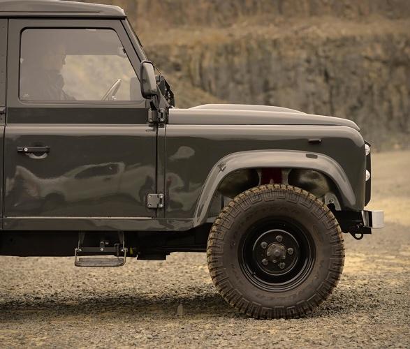 1991-defender-pickup-9.jpg