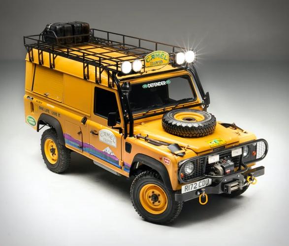 1998-land-rover-defender-110-camel-trophy-2.jpg | Image