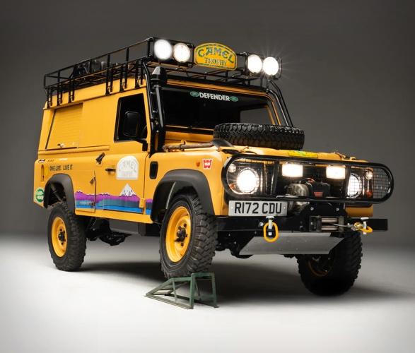 1998-land-rover-defender-110-camel-trophy-6.jpg