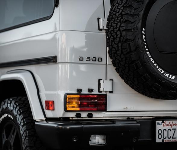 1999-mercedes-benz-g500-11.jpg