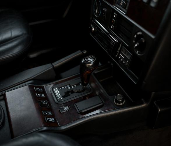 1999-mercedes-benz-g500-15.jpg