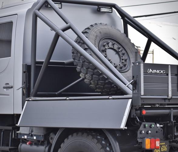 2004-mercedes-benz-unimog-u500-9.jpg