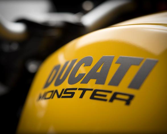 2018-ducati-monster-821-8.jpg