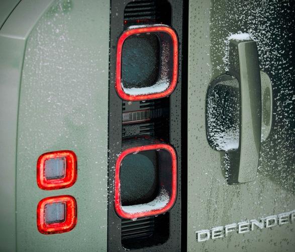 2020-land-rover-defender-15.jpg