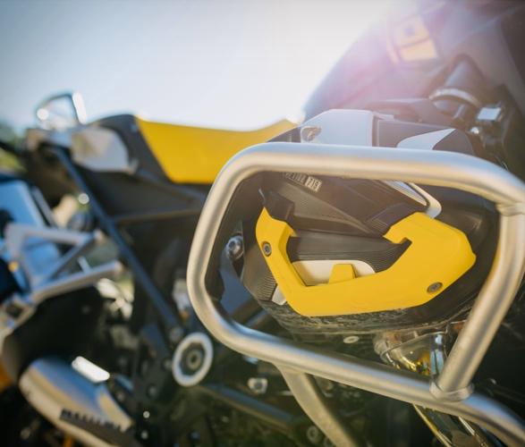 2021-bmw-r-1250-gs-adventure-motorcycle-10.jpg