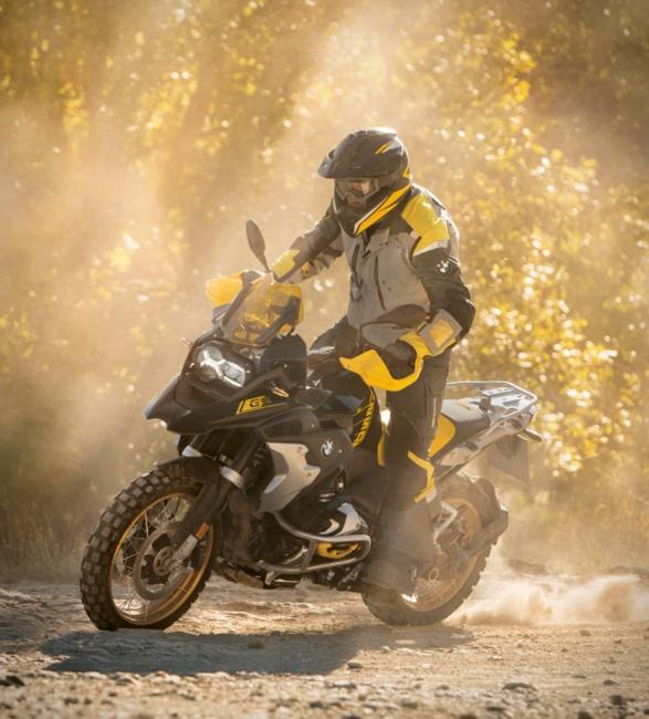 2021-bmw-r-1250-gs-adventure-motorcycle-12.jpg