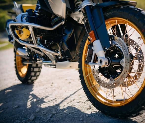 2021-bmw-r-1250-gs-adventure-motorcycle-6.jpg
