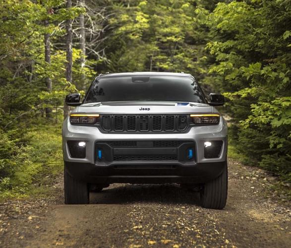 2022-jeep-grand-cherokee-4xe-3.jpg | Image