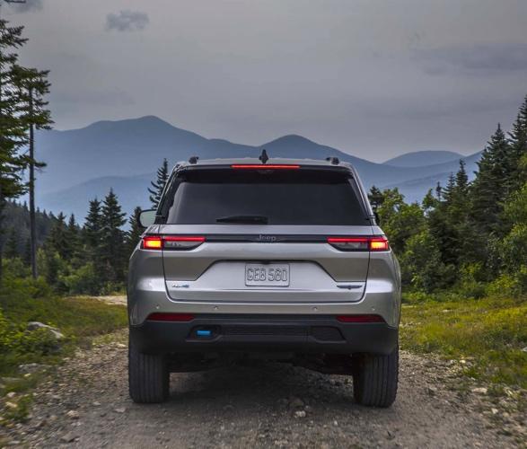 2022-jeep-grand-cherokee-4xe-4.jpg | Image