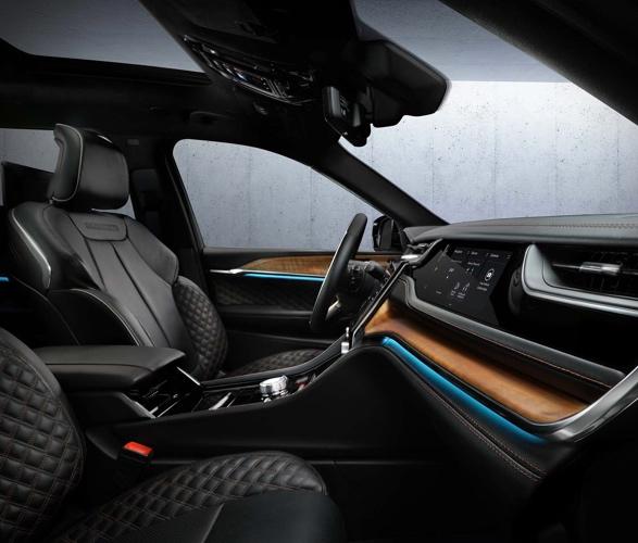 2022-jeep-grand-cherokee-4xe-7.jpg