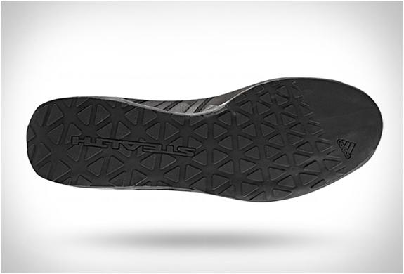 adidas-terrex-solo-stealth-3.jpg | Image