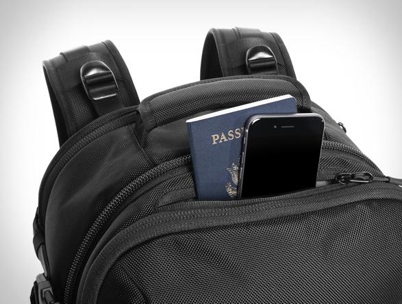 aer-travel-pack-10.jpg