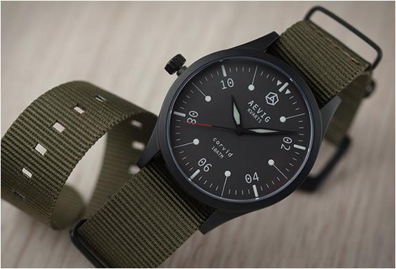 aevig-corvid-field-watch-2.jpg   Image