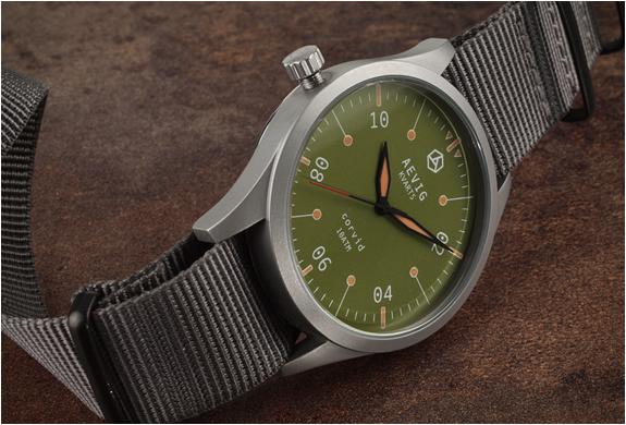aevig-corvid-field-watch-3.jpg   Image