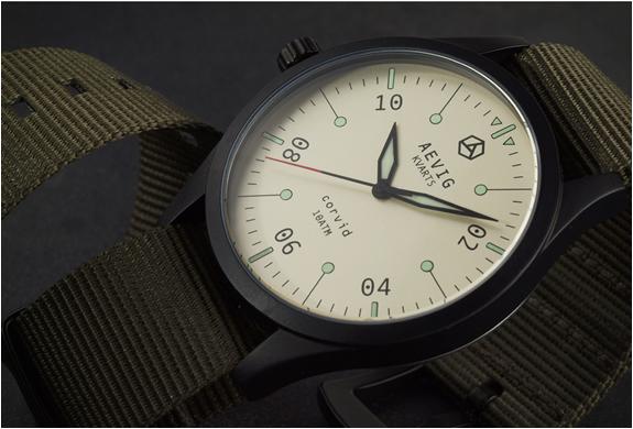 aevig-corvid-field-watch-4.jpg   Image