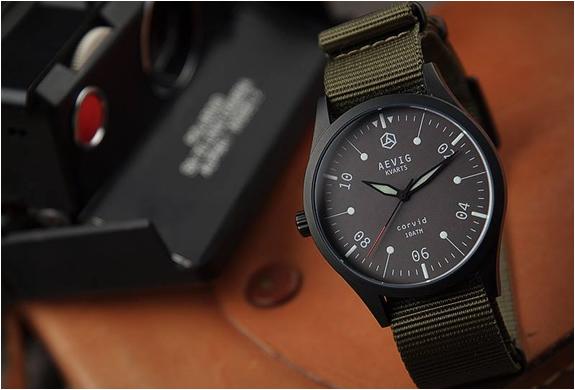 aevig-corvid-field-watch-6.jpg