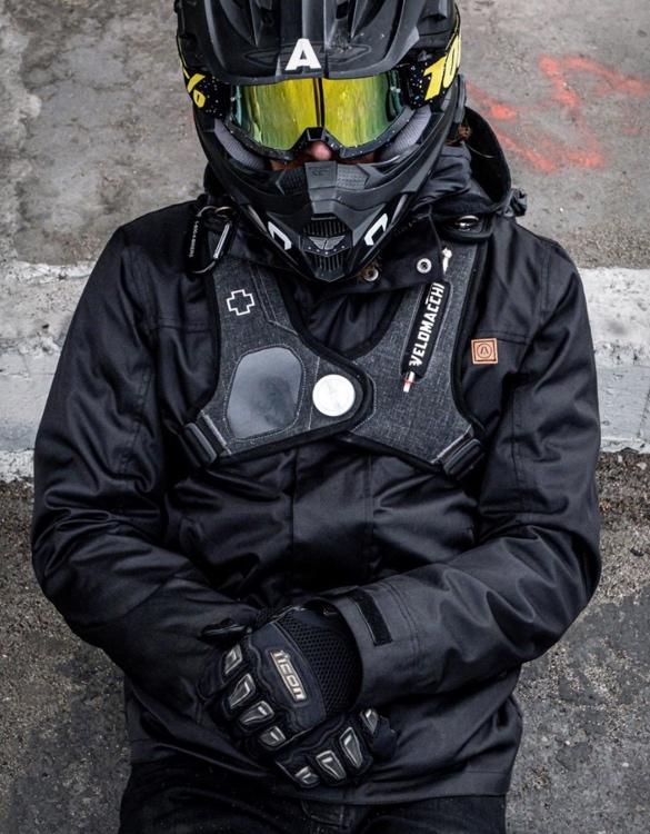 akin-alpha-motorcycle-jacket-7.jpg