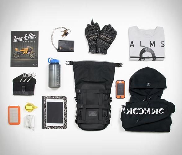 alms-motorcycle-tail-bag-11.jpg