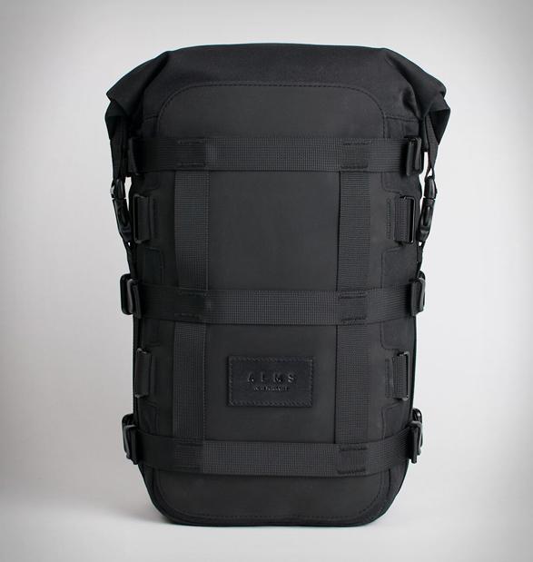 alms-motorcycle-tail-bag-6.jpg