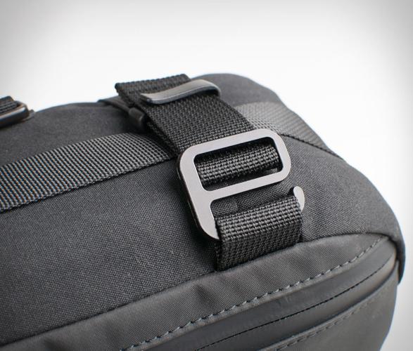 alms-motorcycle-tail-bag-8.jpg