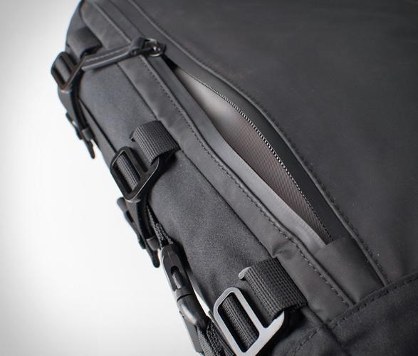 alms-motorcycle-tail-bag-9.jpg