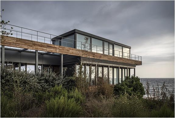 amchit-residence-blankpage-architects-10.jpg