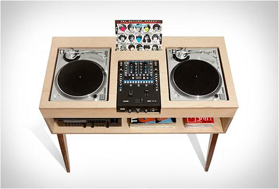 DJ STAND | BY ATOCHA DESIGN | Image