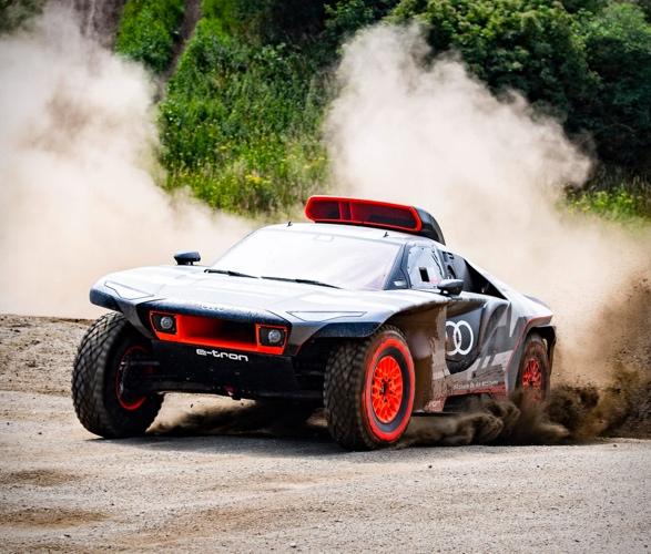 audi-e-tron-dakar-rally-car-6.jpg