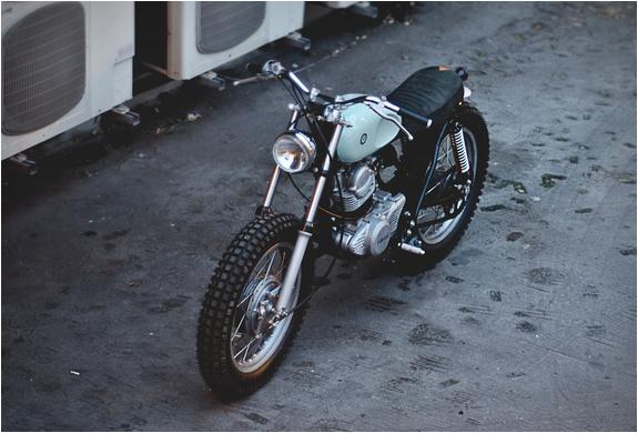 auto-fabrica-yamaha-sr250-6.jpg