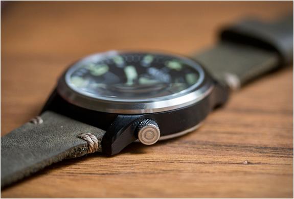 avi-8-worn-wound-watch-4.jpg | Image