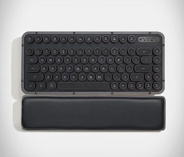 azio-retro-compact-keyboard-1.jpg | Image