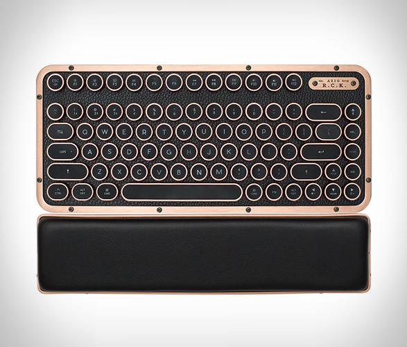 azio-retro-compact-keyboard-3.jpg | Image