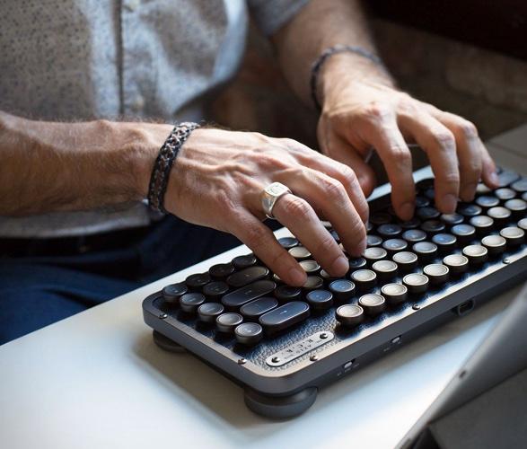 azio-retro-compact-keyboard-5.jpg